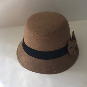 Tan Cloche Hat with Bow 👒